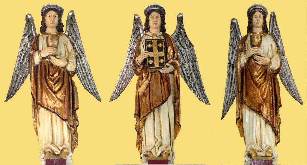 Angels celebrating Mass